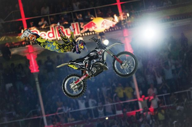 Dany Torres in azione durante il Red Bull X-Fighters 2011
