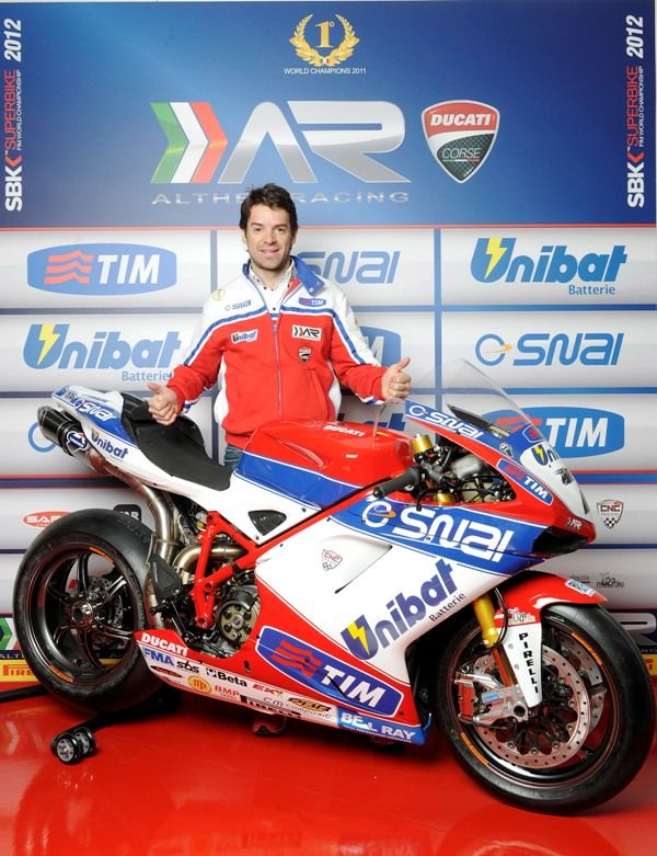 Carlos Checa presenta la livrea 2012 del team Althea Racing