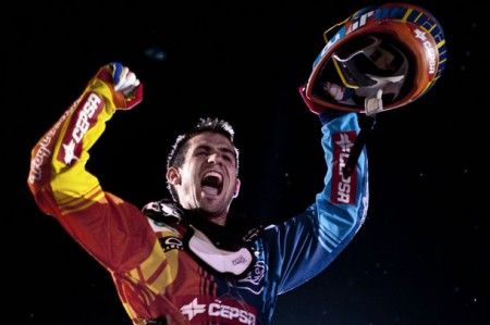 Red Bull X-Fighters: Dany Torres vince a Dubai