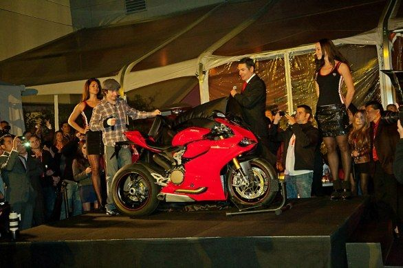 Ducati 1199 Panigale: la festa ad Hollywood