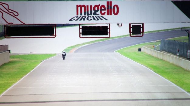 Ducati 1199 Panigale on the track all'autodromo del Mugello