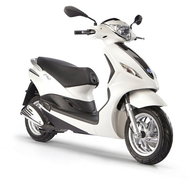 Piaggio lancia Fly, lo scooter globale