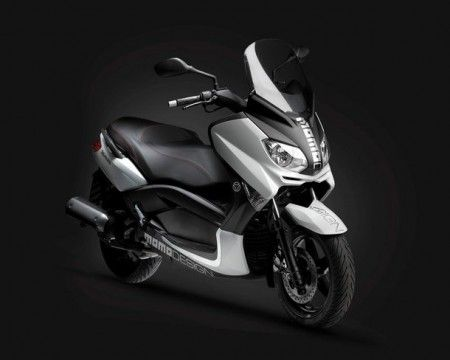 Scooter: Yamaha X-Max by Momodesign