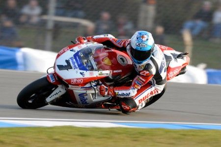 Superbike Donington: a Checa la Superpole