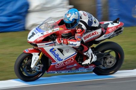 Superbike Donington: Checa vince gara 2