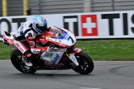 Superbike Assen: acuto di Checa in gara 2