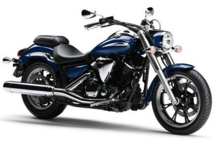 Yamaha XVS 950 A Midnight Star: una custom in stile nipponico