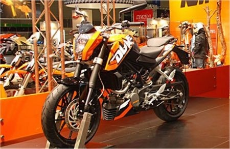KTM 125 Duke, Eicma 2010 orange