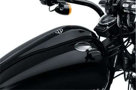 Harley Davidson: nuovi accessori per Softail Blackline