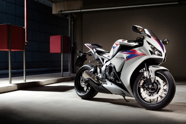 Honda Cbr 1000RR interno, sul cavalletto