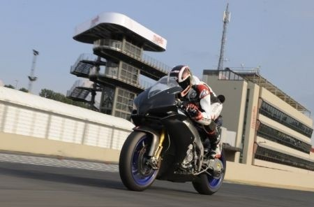 Aprilia RSV4 Base - Factory - Race Machine