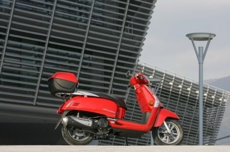 Novità scooter 2010: Kymco Like 200i